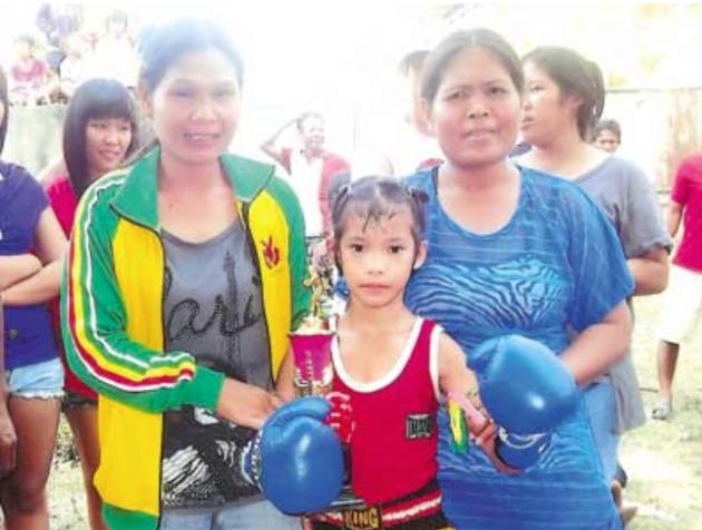 Pet-Jee-Jaa-O.-Mee-Khun-Muay-Thai-Fighter1