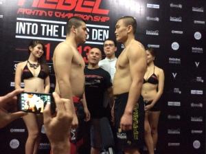 Chris Hofmann (left) vs. Doo Hwan Kim (right)