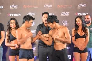 Geje Eustaquio (left) vs. Eugene Toquero (right)